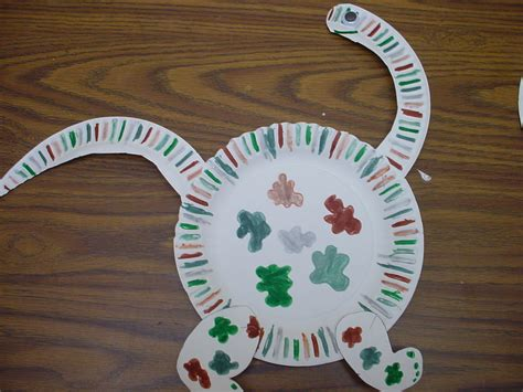 Dinosaur Paper Plate Craft - ode to the paper plate craft notes from the black lagoon