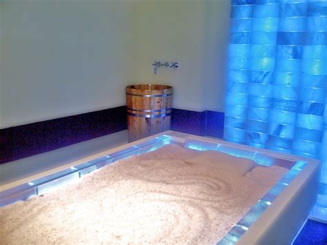 Salt Bed by Bed With Himalayan Salt Crystals By Iso Benessere