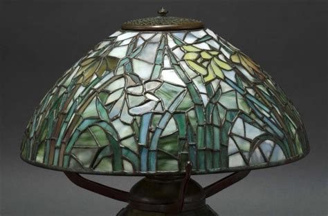 style leaded glass table l jonquil pattern shade