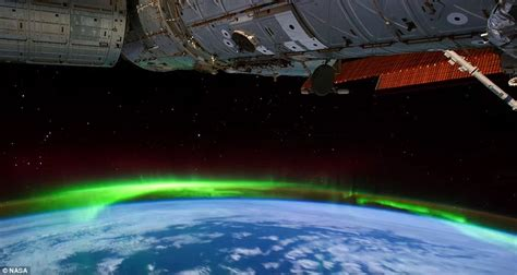 What Are The Southern Lights Called by Auroras Light Up Earth In Ultra Hd Mesmerising