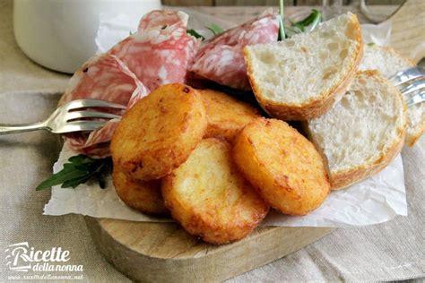 antipasto gigante bucaniere foto di frittelle di patate e cipolle ricette della nonna