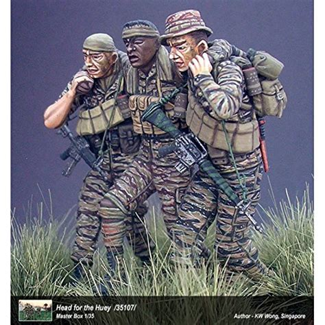 1 35 scale vietnam figures plastic military models com master box head for the huey