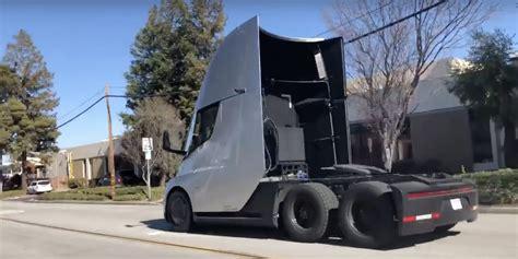 cinema 21 semi ism 233 t megmutatta a tesla semi hogy ő a leggyorsabb kamion