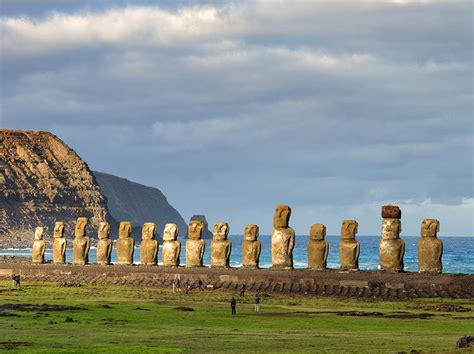 explore the americas lonely planet best 25 easter island stonehenge ideas on pinterest