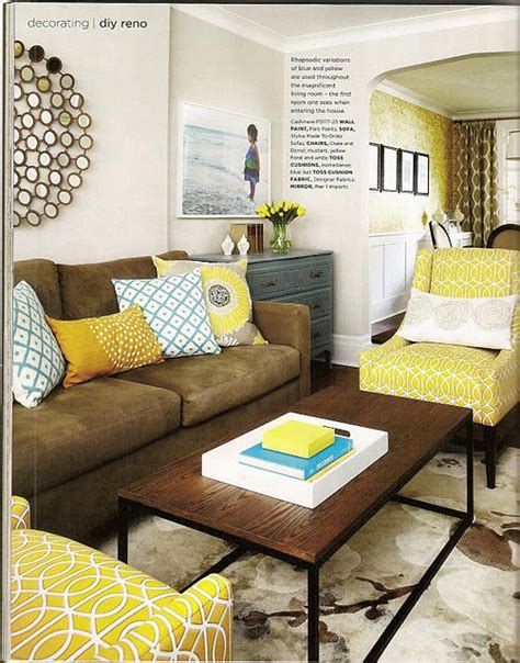 yellow and brown living room 25 best ideas about chocolate brown couch on pinterest