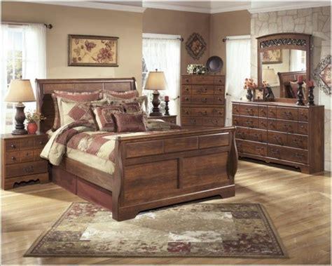 ashley queen bedroom set 25 best ideas about ashley bedroom furniture on pinterest ashley furniture bedroom