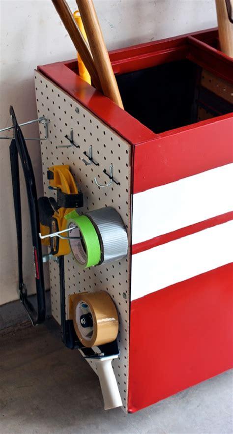 File Cabinet Garage Storage by Transform An Filing Cabinet Into A Handy Garage