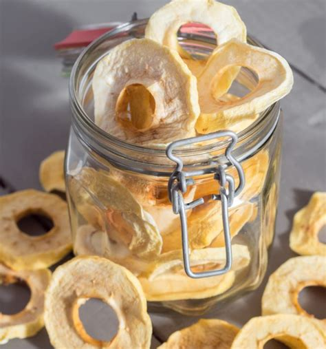 merende per bambini fatte in casa mele essiccate fatte in casa mamma felice
