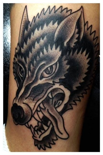 american traditional wolf tattoos traditional wolf cerca con patch