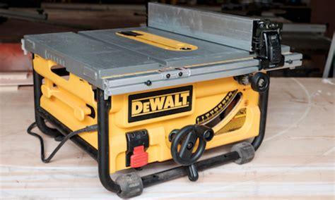 dewalt jobsite table saw dewalt dwe7480 compact jobsite table saw pro remodeler