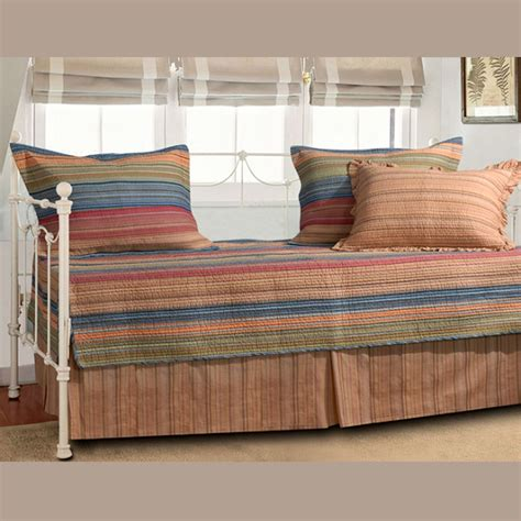 Daybed Covers And Pillows How Magnificent Simple Daybed Cover Sets Bedroomi Net