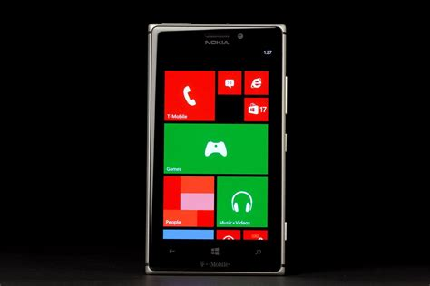 nokia lumia 925 front living all microsoft for a month made me want to throw a