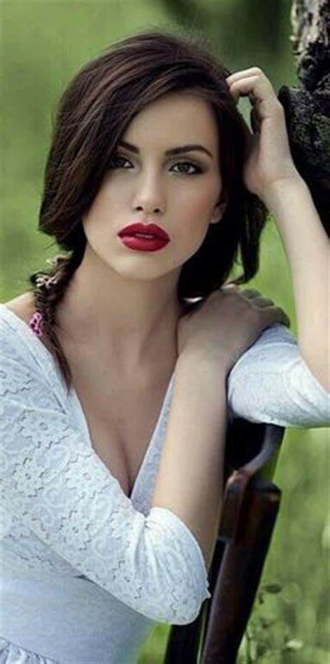 red lips at bianca spender the best beauty looks at celebrating beauty on pinterest perfect red lips