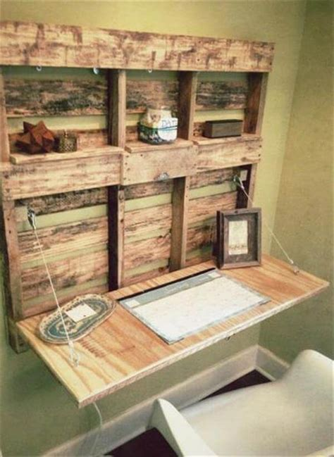 Diy Fold Out Desk Diy Pallet Fold Able Desk With Shelves 101 Pallets