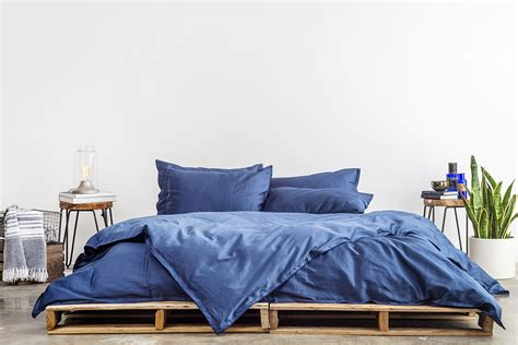 parachute home brings minimalist approach to bedding and