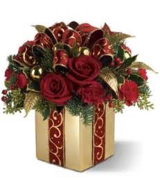 Wine Baskets Delivered Holiday Gift Bouquet Holiday Flowers Christmas Flower Arrangements Fromyouflowers Com