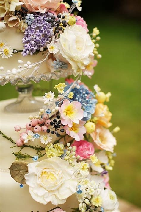25  best ideas about Wildflower Cake on Pinterest   Color