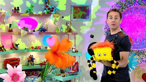 ceebeebies iplayer cbeebies iplayer show me show me series 4 7 bees and