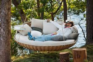 Patio Furniture You Can Sleep On Les Cocons Et Nids D Humains Pour Les Passionn 233 S De La