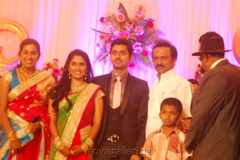 vijay television anchor priyanka marriage photos vijay tv priyanka marriage images