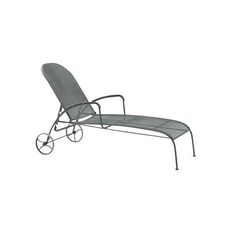 Wrought Iron Chaise Lounge Woodard Valencia Wrought Iron Adjustable Chaise Lounge 310070