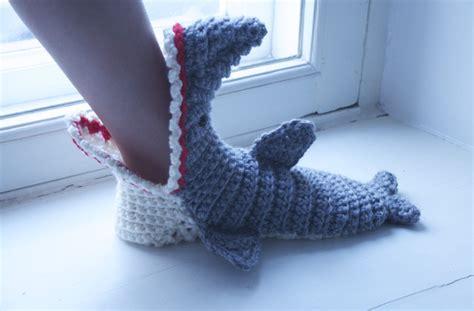 shark socks pattern knitting free crochet tutorials crochet shark slippers pdf pattern
