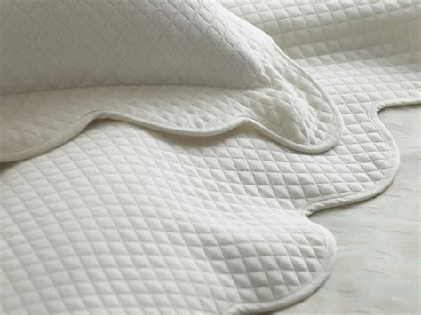 scalloped matelasse coverlet peacock alley oxford coverlets and shams