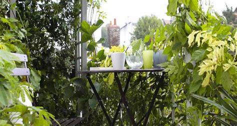 Merveilleux Salon De Jardin Pour Petit Balcon #1: idee-deco-pour-amenagement-balcon.jpg