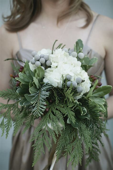 Wedding Bouquet Ideas For Winter by Stunning Winter Wedding Bouquet Ideas The Happy Housie