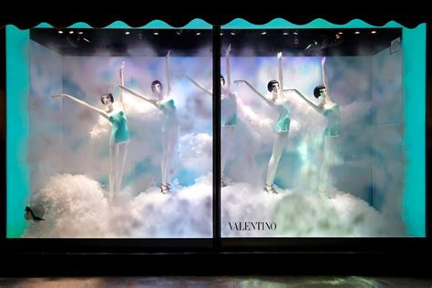 stunning window displays  harrods shoe heaven     love window shopping