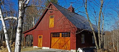custom barns  buildings