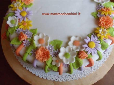torte di compleanno con fiori torta decorata con fiori mamma e bambini