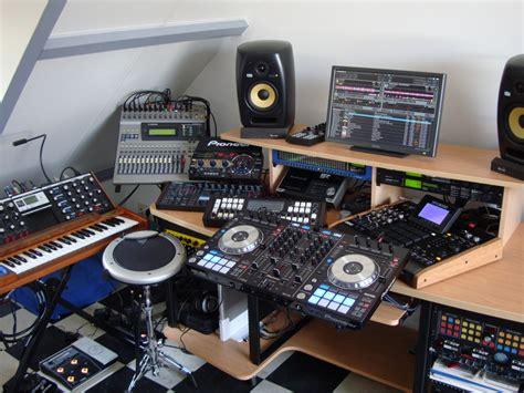 out dj studio dj setup at fundjstuff