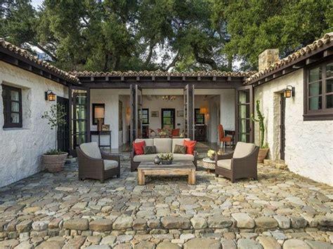 Mexican Tile Kitchen Ideas Best 25 Hacienda Style Homes Ideas On Pinterest Spanish