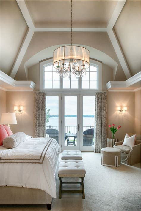 unique ways  decorating bedrooms  high ceilings