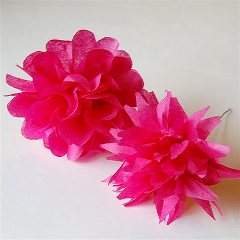 Make Tissue Paper Flowers - the craftinomicon tissue paper flowers