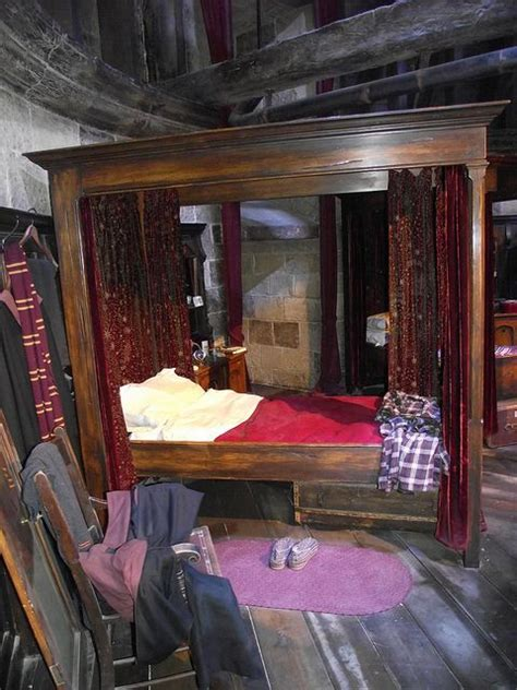gryffindor themed bedroom pinterest the world s catalog of ideas