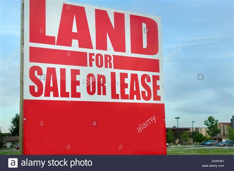 buying a house on leased land red land for sale or lease sign outside stock photo royalty free image 85041965 alamy