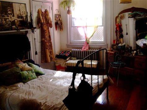cluttered bedroom best 25 cluttered bedroom ideas on pinterest messy