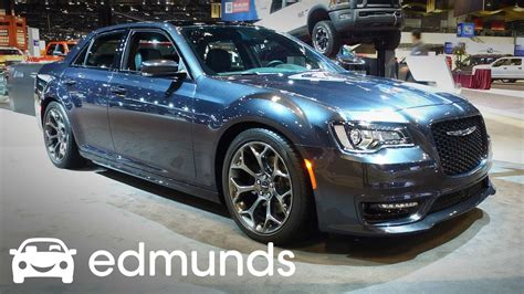 Chrysler 300 Features by 2017 Chrysler 300 Review Features Rundown Edmunds