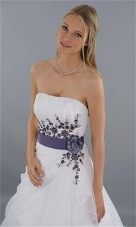 Brautkleider Weiß Lila by H 252 Bsches Abendkleid Cocktaikleid F 252 R Das Standesamt Die