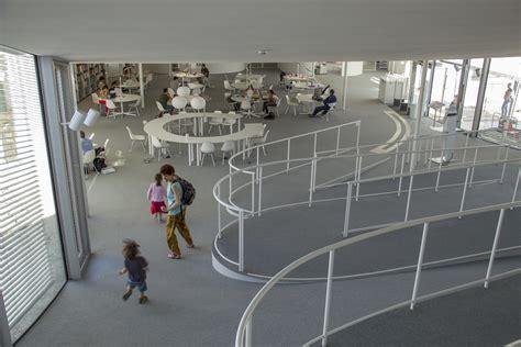 rolex learning center epfl sanaa interior del centro