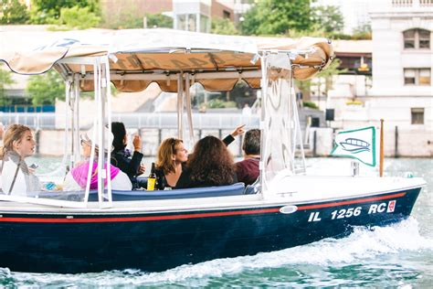 chicago river boat trip the 3 best things to do on the chicago waterfront frugal