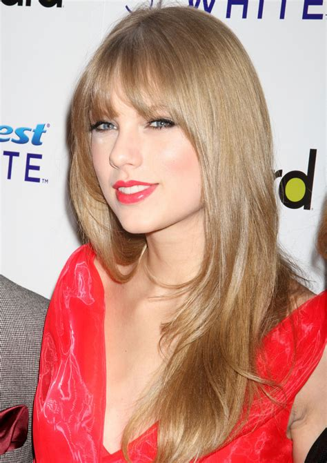 pictures of taylor swift with straight hair and bangs and bob taylor swift long straight cut with bangs taylor swift