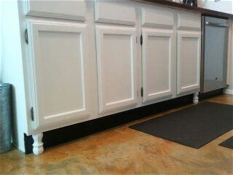 Decorative Legs For Kitchen Cabinets Happy Cheap Way To Upgrade The Look Of Builder Cabinets Paint The Kickplate Black Add