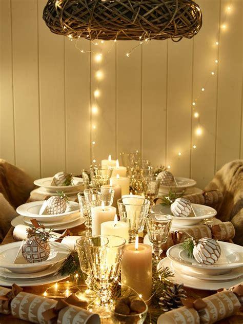 come decorare le candele per natale come decorare la tavola di natale la figurina