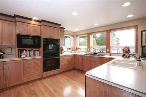 crown molding for kitchen cabinet tops kitchen cabinet crown molding kitchen traditional with