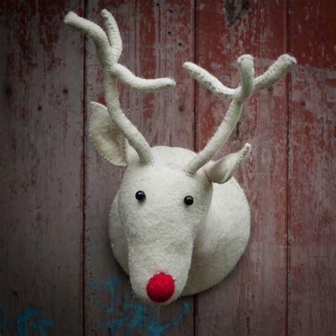 fibreglass christmas reindeer head snowy felt reindeer by armstrong ward notonthehighstreet