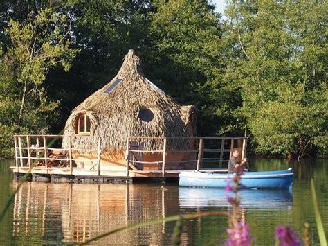Cabanes Grands Lacs by Cabanes Des Grands Lacs Cabane Flottante Neptune