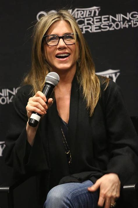 Lepaparazzi News Update Anistons No To Pitt Book by Aniston Continues To Push For Oscar Nomination In